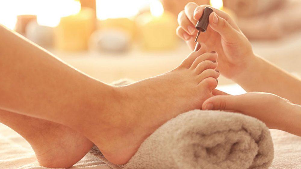Schöne Füße im Sommer – auch mit Hallux Valgus